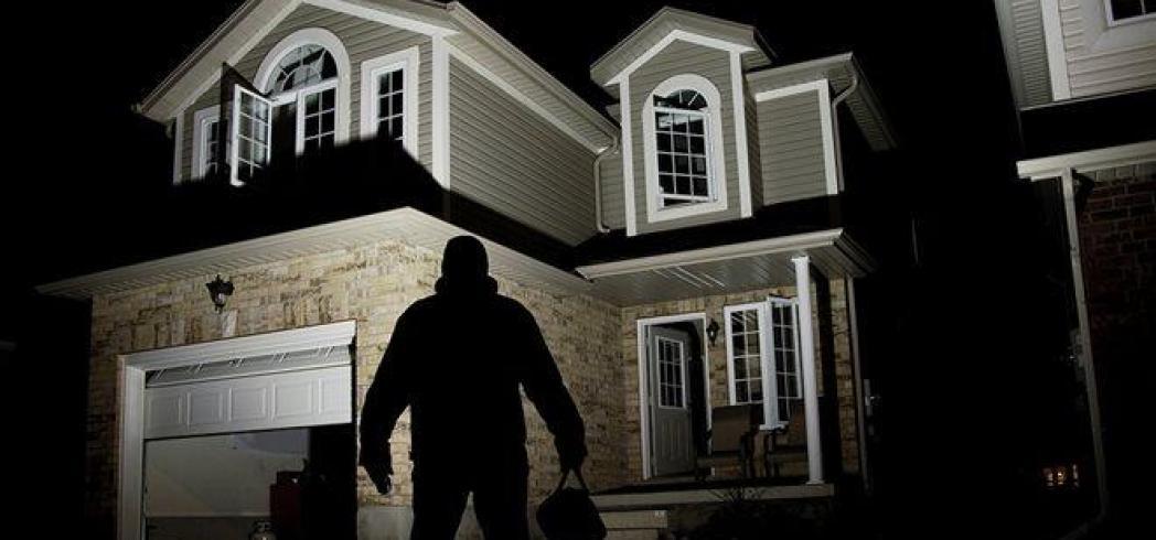 """Ηράκλειο: """"Βούτηξαν"""" μέσα από σπίτι το όπλο του υποστράτηγου!"""