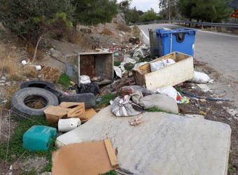 Εικόνες ντροπής στην είσοδο χωριού του δήμου Φαιστού! (φώτο)