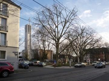 Apostelkirche mit Benderstraße und Apostelplatz © Beate Sachs