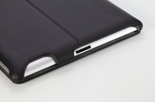 Moki-Slim-Fit-iPad-2012-04