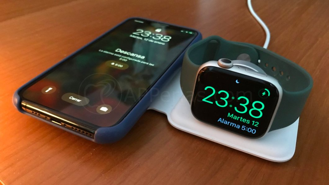 iPhone 11 PRO y Apple Watch Series 5 cargando