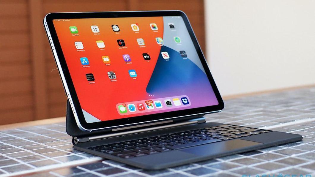 iPad Air 4 con Magic Keyboard