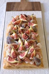 Figs and Crudo on Pizza :: Recipe and Styling: Orsola Ciriello Kogan | Photo ©SerenaEller