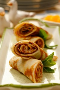 Crepes with hazelnut cream :: Food Styling: Orsola Ciriello Kogan | Photo ©AlexeyTryaskov