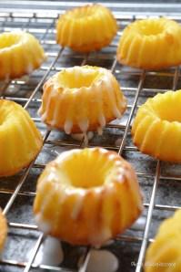 Lemon n Vanilla Mini Bundt :: Recipe and Styling: Orsola Ciriello Kogan | Photo ©LuciaZeccara