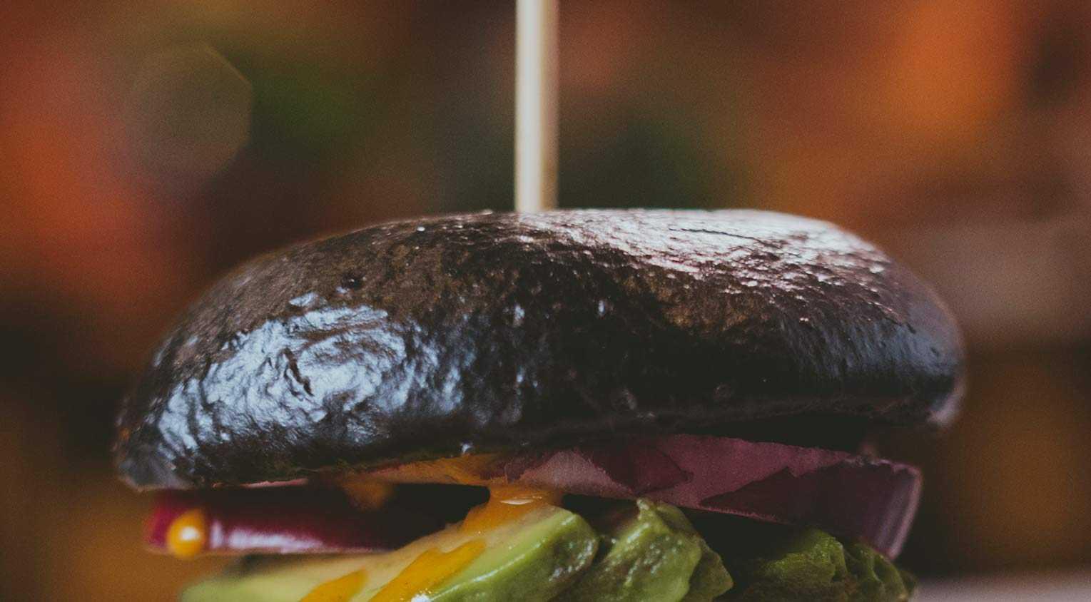 Receta de Pan de Hamburguesa con Tinta de Calamar