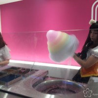 Totti Candy Factory: Harajuku's giant cotton candy