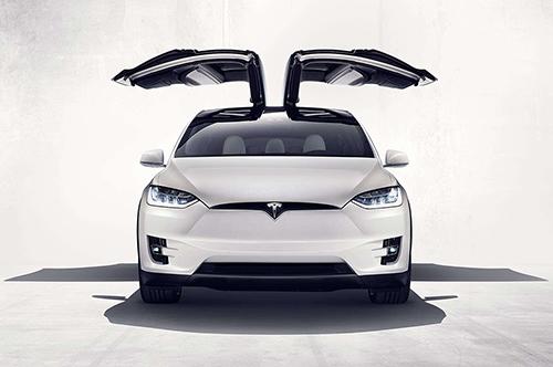Tesla Model X electrico puertas