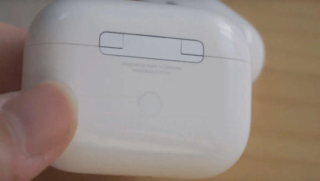 Airpods pro hinge