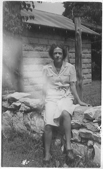 Maggie, 1944