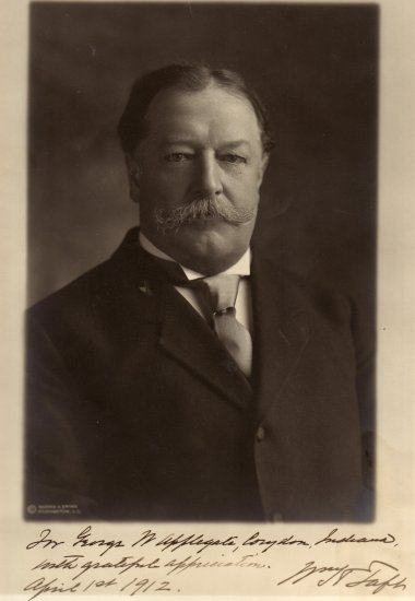 Note from President Taft to Papa (G. W. Applegate II, 1875-1950)