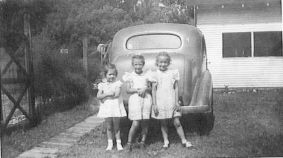Rica, Grace and Sue, Sibert's farm, before leaving for White Cloud