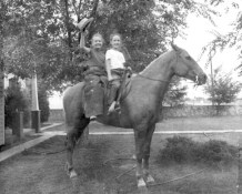 Grace and Rica, Monahans, 1949