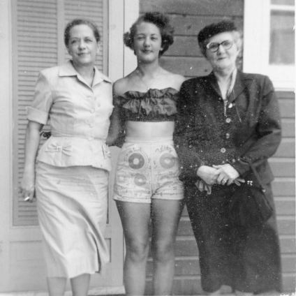 Maggie, Grace, Bobbie (paternal grandmother), May 1955, Monahans house