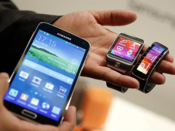 samsung_galaxy_s5_gear_fit_and_gear_2_reuters
