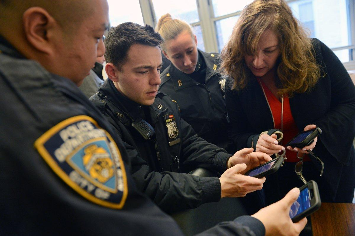 NYPD continues rolling iPhones out to every officer, replacing Windows Phones