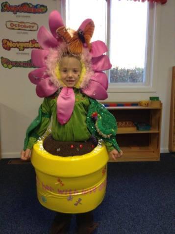 apple-montessori-creative-costumes