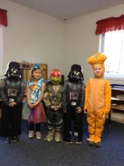 apple-montessori-kids-costume-parada