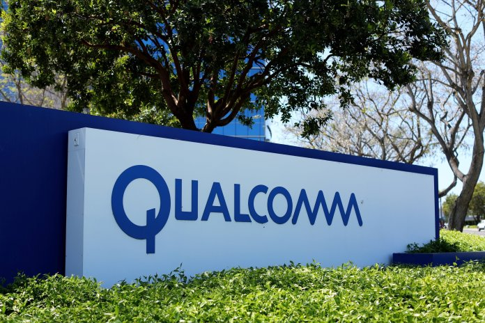 Qualcomm Says Apple Is $7 Billion Behind in Royalty Payments