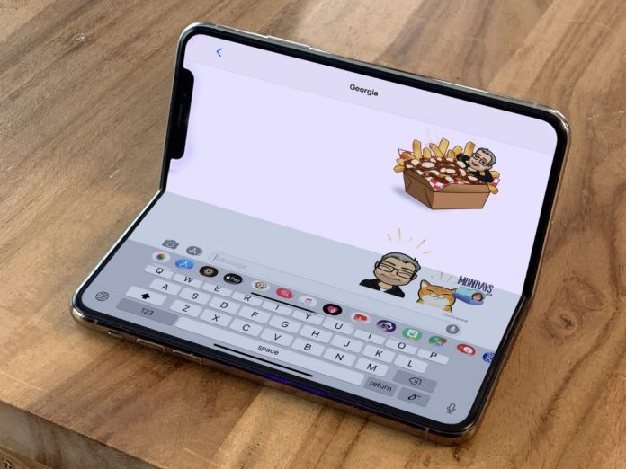 iphone-xs-unfolded-imessage
