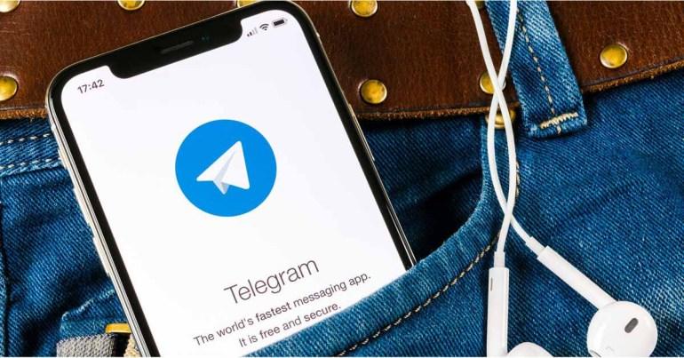 Группа подает в суд на Apple за разрешение использования Telegram в App Store, заявляя, что в приложении есть «ненавистный контент»