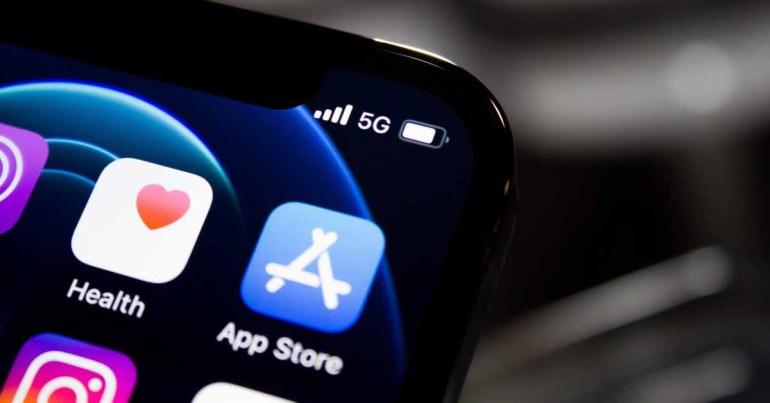 Разработчик размещает в App Store несколько мошеннических приложений, некоторые из которых приносят миллионы долларов дохода.