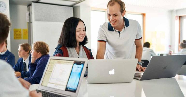 Apple сотрудничает с австралийскими преподавателями, чтобы проводить уроки разработки Swift