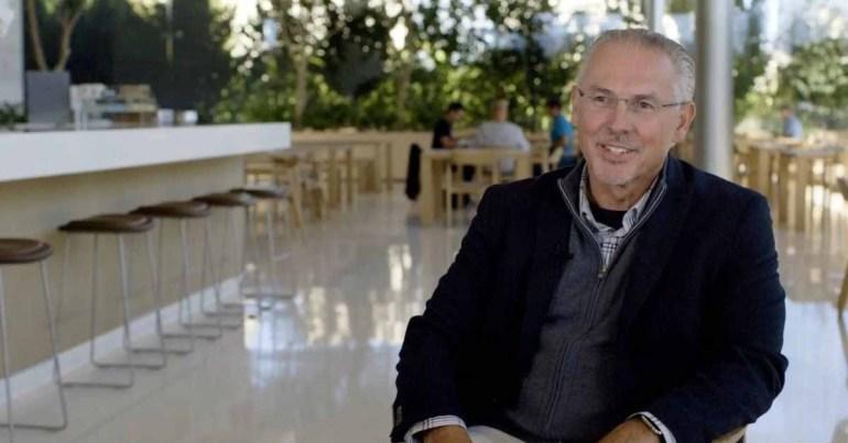 Казначей Apple Гэри Випфлер уходит на пенсию через 35 лет