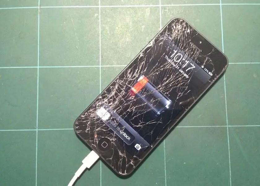 Resultado de imagen para pantalla rota de iphone