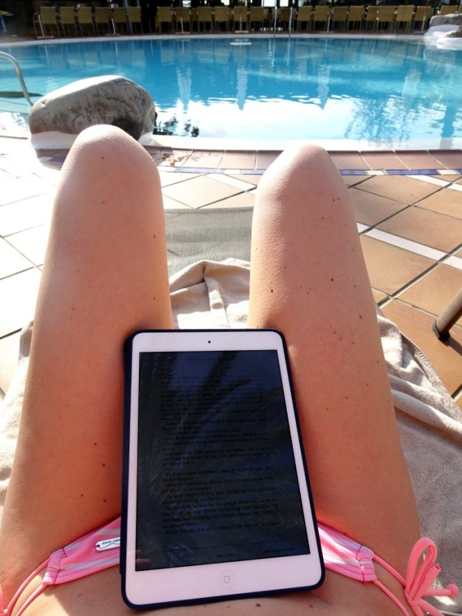 blackout lesen am pool