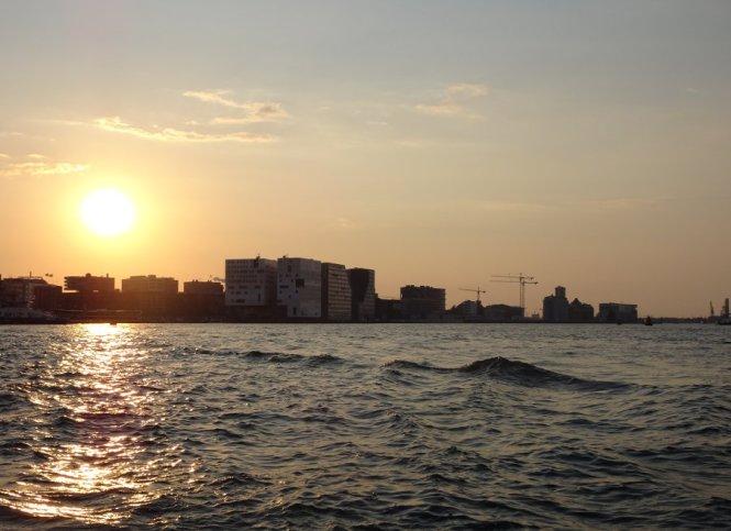grachtenfahrt amsterdam städtereise sehenswürdigkeiten