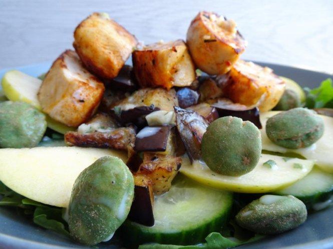bowl mit hähnchen und wasabi