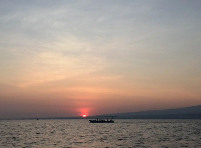bali sehenswürdigkeiten norden lovina beach sunrise