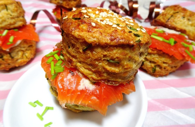 cheese-scones-party-fingerfood-mit-lachs-und-schnittlauch