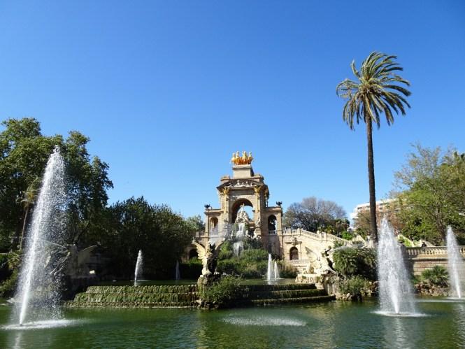barcelona tipps monument brunnen urlaub
