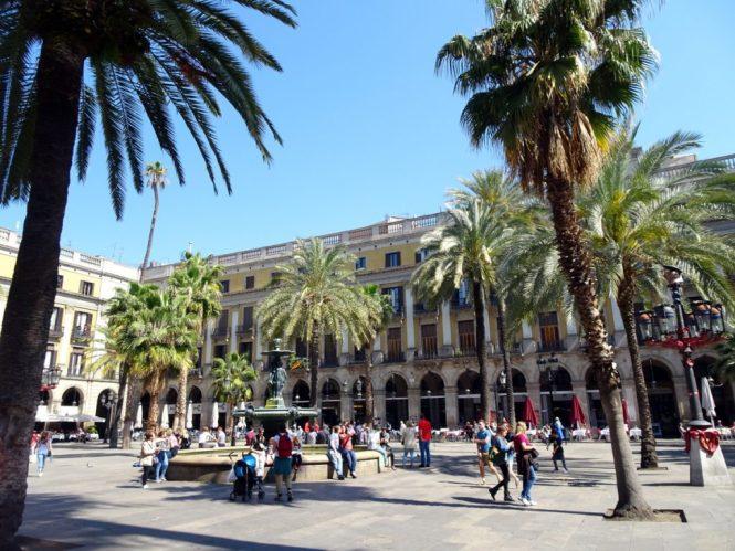 barcelona sightseeing placa reial