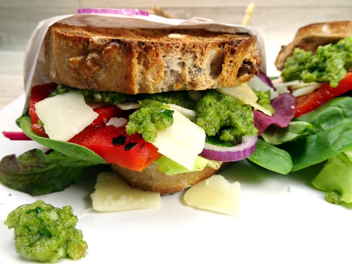 Sandwich mit Walnuss-Pesto