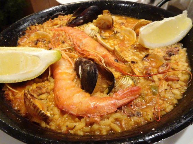 barcelona foodtip paella