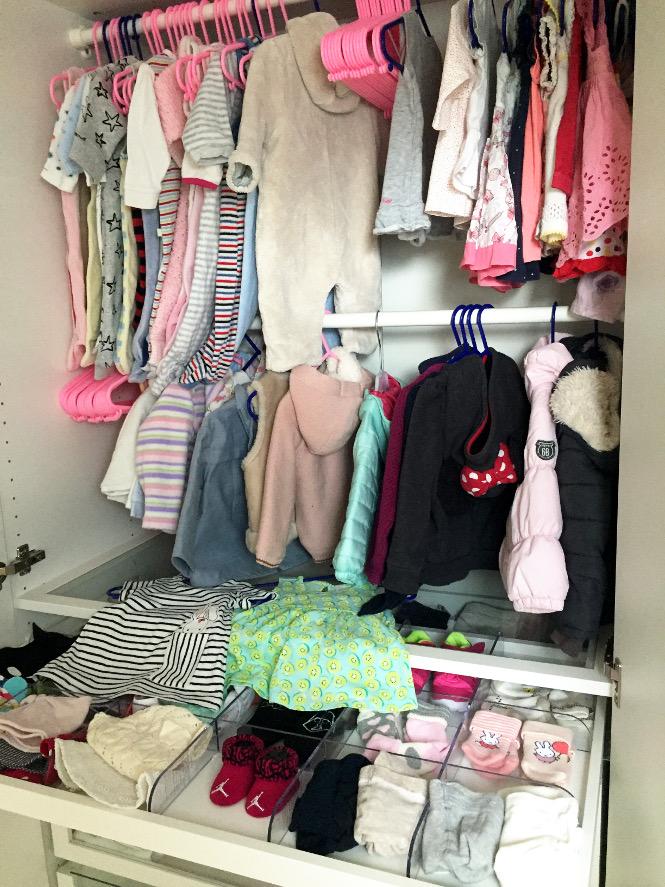 pregnancy update Babykleiderschrank