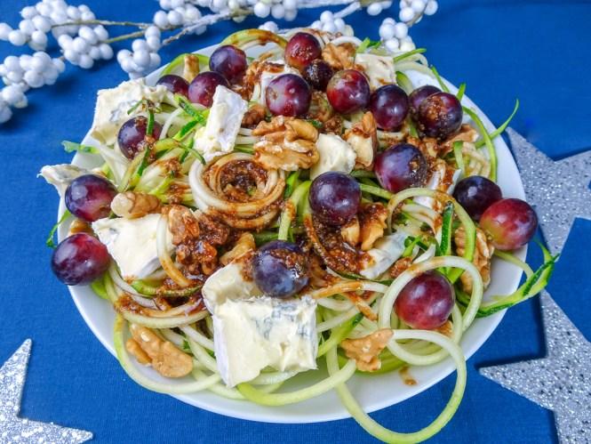 Zucchinisalat mit Blauschimmelkäse Walnuss