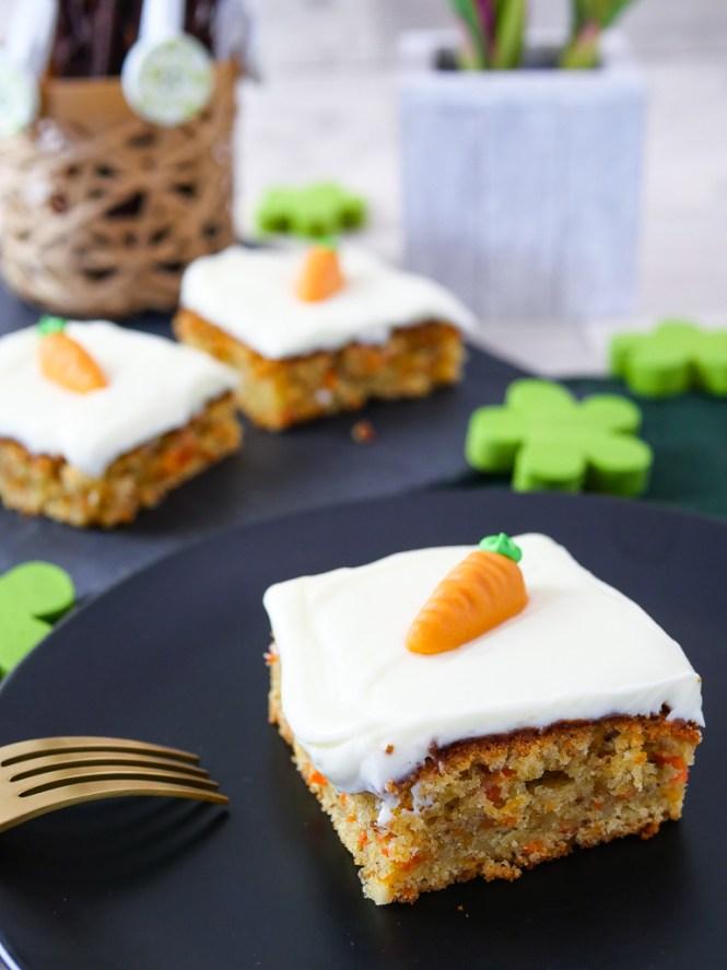 Karottenkuchen Rezept mit Frischkäse Frosting