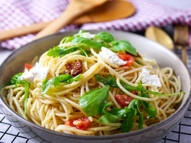 spaghetti salat rezept