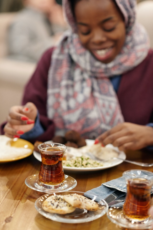 Le thé pendant le repas