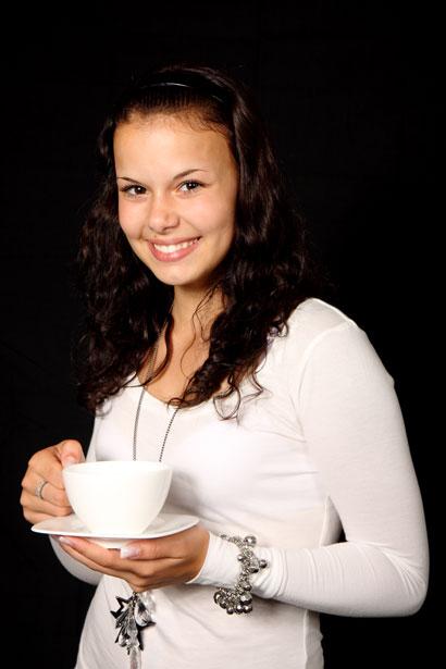 thé café déguster service invitation invité maîtresse de maison heure horaire usages tradition galanterie comment explication mode d'emploi protocole politesse bienséance étiquette