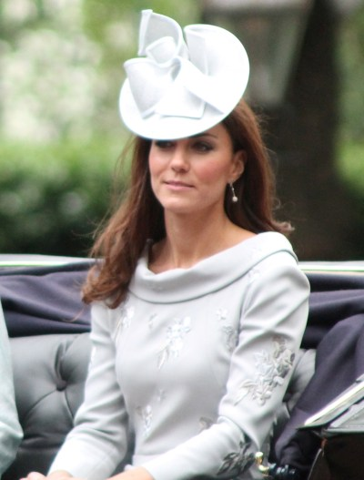 kate middleton style s'habiller comme une princesse, secrets garde robe kate, conseils beauté kate Catherine,_Duchess_of_Cambridge