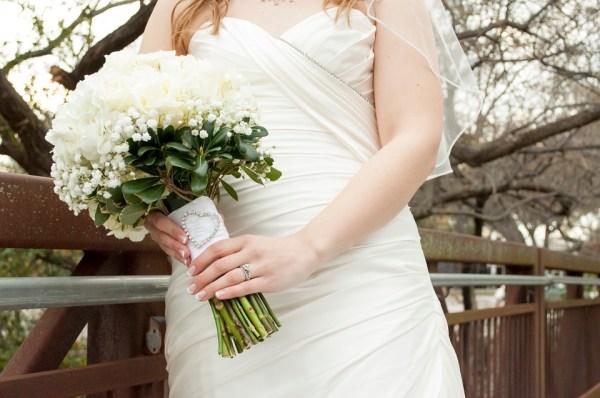 âge robe blanche lavande mariage mariée choix robe mariée couleur tradition longue courte protocole aristocratie style