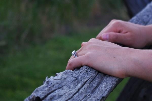 parents fiançailles rôle, messe cérémonie aristocratique, traditions chrétienne, messe prêtre parents accueil prix coût