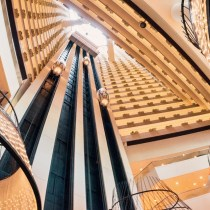 politesse dans un ascenseur ascenseur lift elevator escalier bureau travail open sapce étiquette bonne smanières usages protocole biensénace