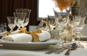 mettre la table 1 mettre la table 2 politesse aristocratie usage courtoisie manuel coach bonnes manières étiquette protocole savoir-vivre courtoisie gentleman