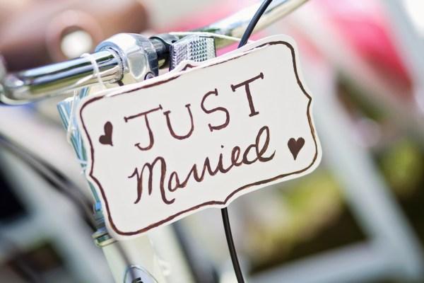 second mariage choix cadeau remariage remarier fiançailles cérémonie cadeau activité cadeau plus 50 ans